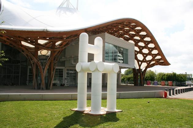 11. La chaise en question, exposition de l'art dans les jardins au Centre Pompidou de Metz 17 mai – 21 septembre 2014 - © Les Simonnet