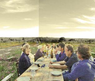 DU TERRITOIRE AU TERROIR: MODÈLE POUR UN ESPACE PUBLIC RURAL  Par Alexander Cassini  Aujourd'hui les paysages viticoles sont face à deux tendances. D'une part, la perte de la notion de terroir suite à une mondialisation grandissante du marché du vin, et d'autre part, le morcellement et la diminution des espaces viticoles au profit d'un étalement urbain incontrôlé.